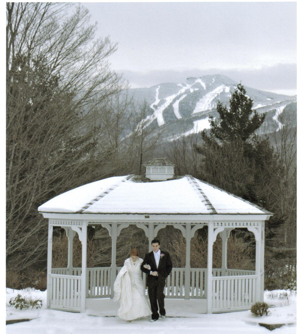 Winter weddings the summit lodge killington vermont a fairytale winter wedding junglespirit Image collections